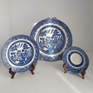 Vintage Blue and White Willlow Plates 3pc